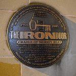Presentación en el Iron Door Club