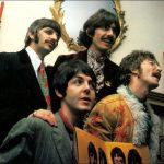 "Los Beatles presentan el ""Sgt. Pepper's Lonely Hearts Club Band"" ante la prensa"