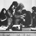 Allen Klein negocia los contratos de Los Beatles