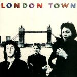 "Se edita el LP ""London Town"""