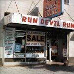 Lanzamiento del álbum Run Devil Run
