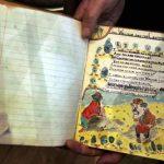 Subastarán un cuaderno que John Lennon usaba cuando tenía 12 años