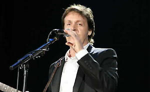 "Paul McCartney se presenta en ""una fiesta"" de iTunes en Londres"