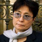 [El Comercio] Yoko Ono quiere que el asesino de John Lennon continúe entre rejas