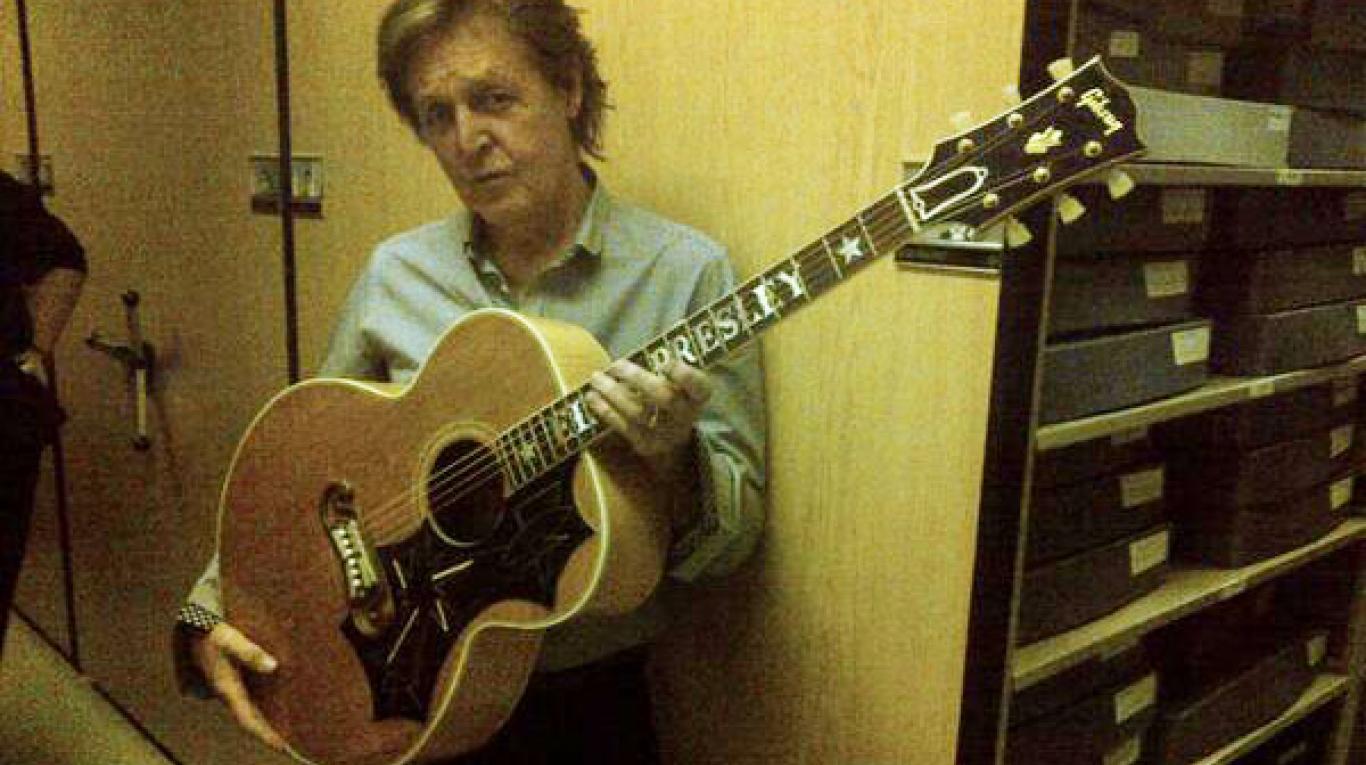 Paul McCartney se presenta en Memphis, Tennessee