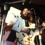 John Lennon toca en el festival de Toronto