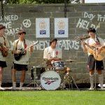 Jugadores del Liverpool FC se disfrazan de Los Beatles