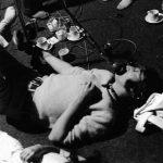 Los Beatles trabajan en Revolution, con Yoko Ono presente de aquí en adelante