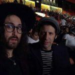 Sean Lennon viaja a México y disfruta de la lucha libre