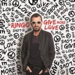 "Ringo Starr lanza el video de ""Give More Love"""