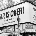 "John y Yoko lanzan la campaña ""War Is Over"""