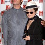 Yoko ataca a McCartney durante la entrega de los premios de la revista Q