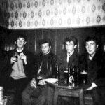Los Beatles se presentan por primera vez en la Caverna de día y de noche