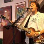 Paul McCartney se presenta de sorpresa en la tienda de discos Amoeba