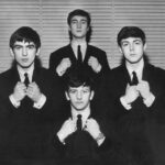 Los Beatles aparecen en el programa radial Friday Spectacular