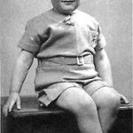 Nace Brian Epstein