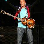 "Paul McCartney se presenta en Miami iniciando su gira ""US Tour"""