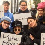 Yoko Ono se une a la marcha de las mujeres contra Trump