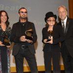 """Los Beatles reciben el Grammy por """"Lifetime Achievement"""""""