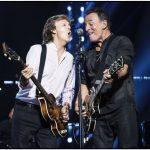 Paul McCartney se presenta en New York... ¡Y se le une Bruce Springsteen!