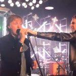 Paul McCartney improvisa temas de Los Beatles junto a la banda Muse
