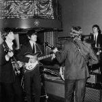 Los Beatles actúan en el Teatro Prince Of Wales de Londres