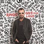 Ringo Starr adelanta el tema We're On The Road Again, donde participa Paul McCartney