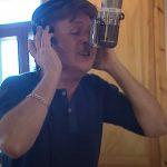 """Paul McCartney comparte dos videos de """"Young Boy"""""""