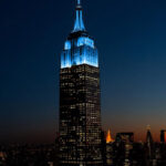 El Empire State se ilumina de celeste por los 80 años de John Lennon